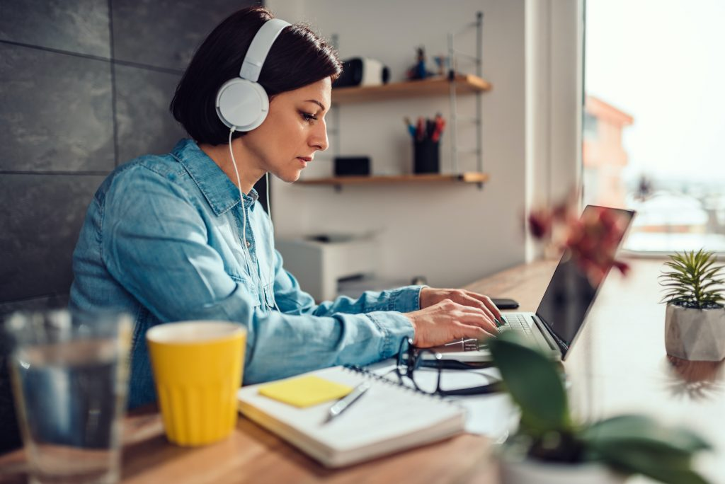 Best Headphones for freelancers