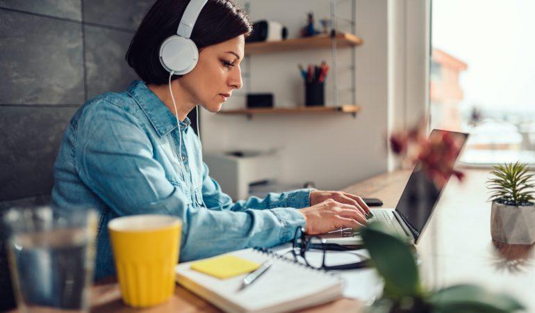 Best Headphones for freelancers