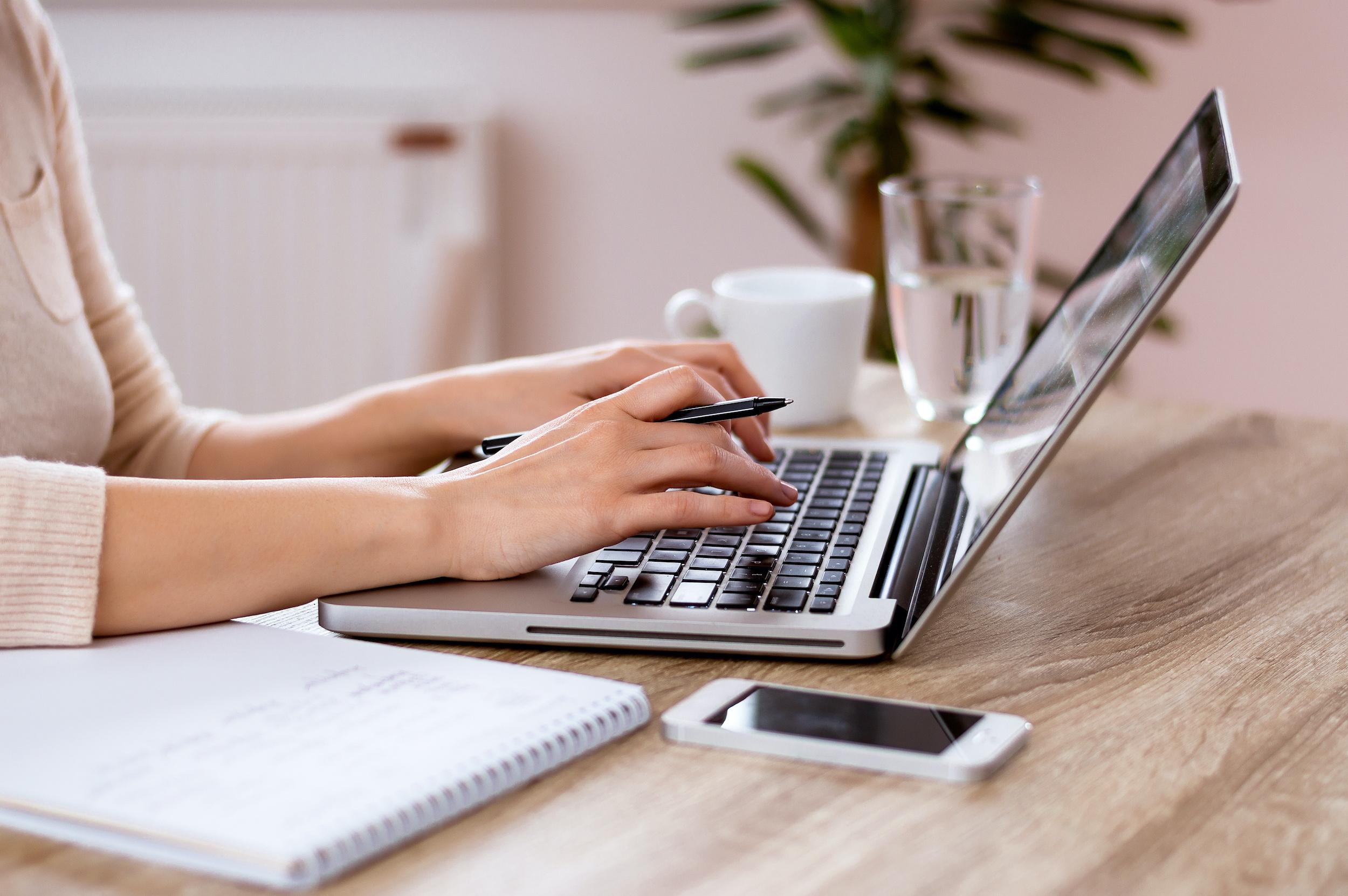Why freelancers should start a blog